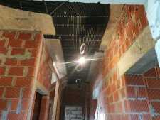 На фото пример работ: Монтаж проводки по потолку, рис. 5